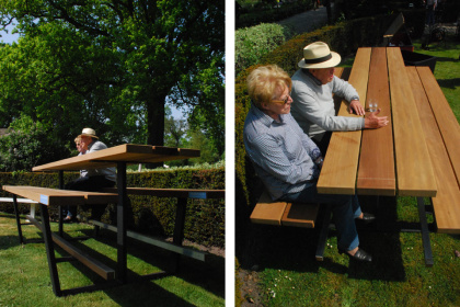 beer table - hoge picknicktafel - iroko balken zwarte onderstellen
