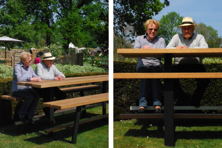 Beer Table 300cm, hoge houten picknicktafel met zwarte onderstellen