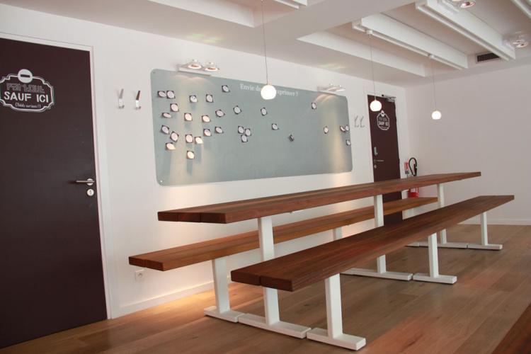 bench - picknickbank - iroko met witte onderstellen
