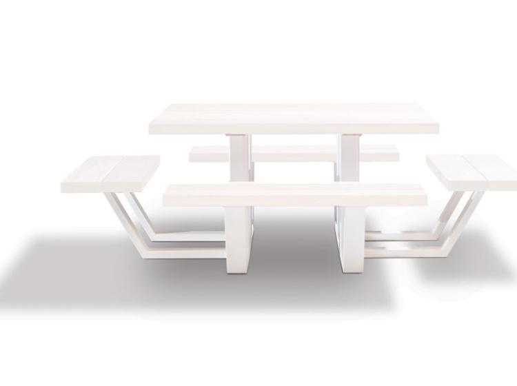 Carré, vierkante, witte gelakte picknicktafel in iroko