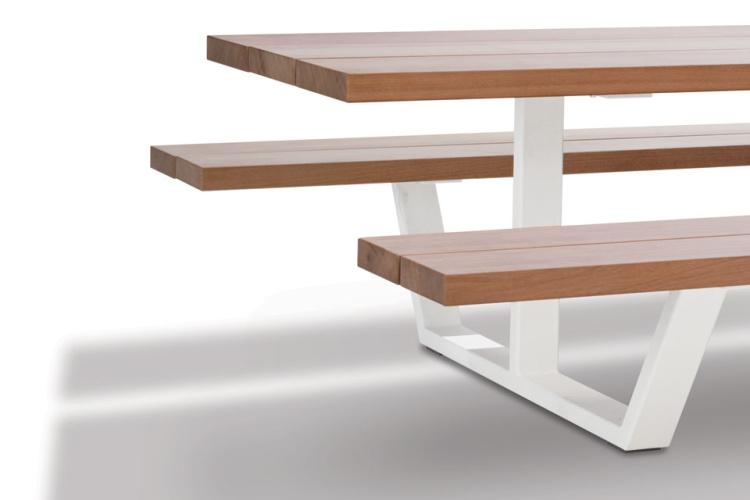 Cassecroute Table 44