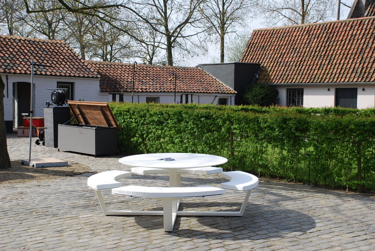 white round picnic table design aluminium