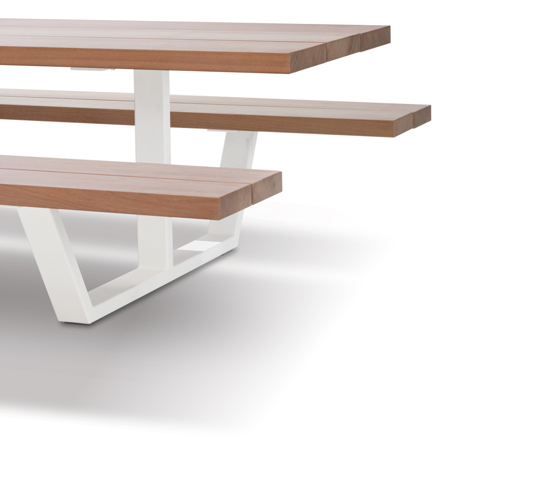 cassecroute-picnic-table-2-shadow-design-wood-iroko-@2x